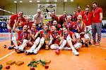 Volejbalistky Prostějova (v červeném) porazily Olomouc 3:0 na zápasy a slaví desátý titul v řadě.