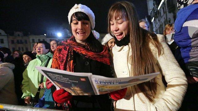 Česko zpívá koledy na Horním náměstí v Olomouci. Ilustrační foto