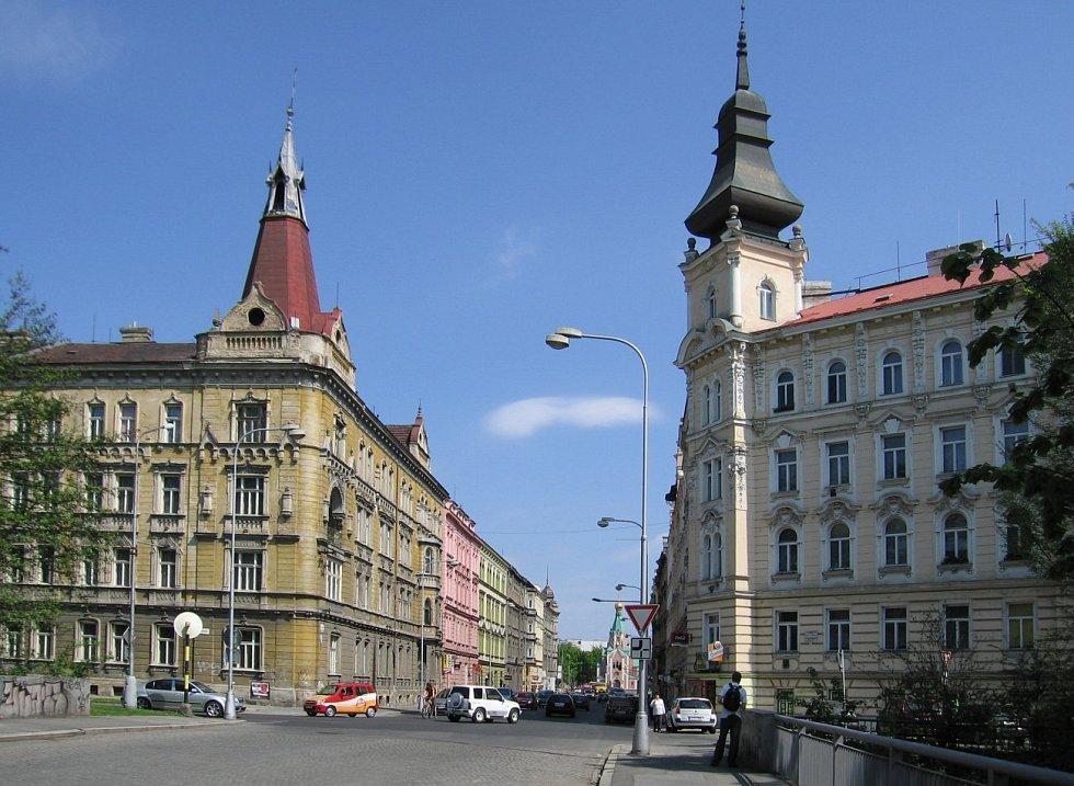 Historický dům na rohu Dobrovského a Komenského ulice před rekonstrukcí