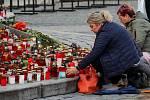 Vzpomínka na Karla Gotta u Sloupu Nejsvětější Trojice v Olomouci - 10. října2019