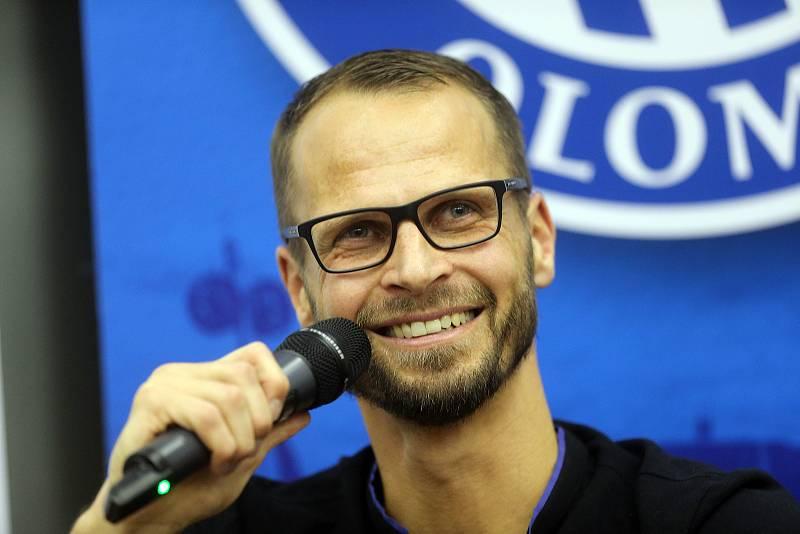 David Rozehnal na besedě na FTK v Olomouci