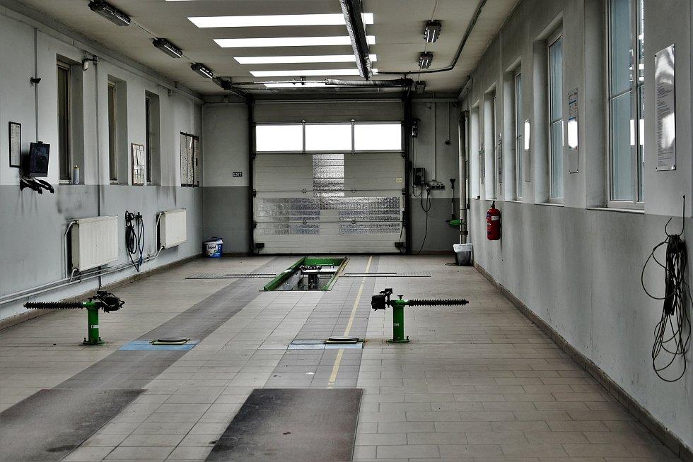 Stanice technické kontroly ve Slavonínské ulici v Olomouci, 17. 3. 2021