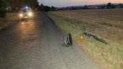 Místo u Vacanovic, kde neznámé auto přejelo končetiny muže ležícího na silnici