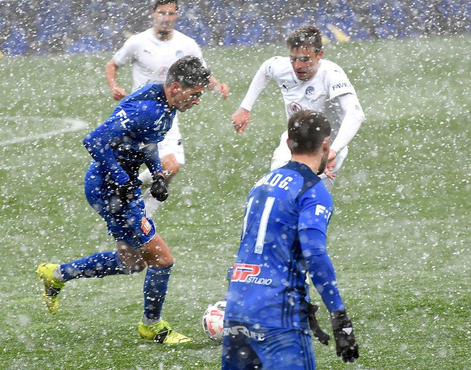 Olomouc remizovala doma se Slováckem v dohrávce 23. kola 0:0.Mojmír Chytil, Pablo González
