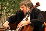 Violoncellista Jiří Hošek