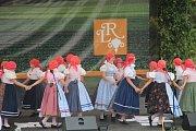 Ve Velké Bystřici na Olomoucku se tento víkend koná festival folklorních souborů Lidový rok.