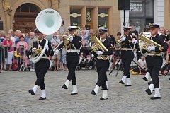 Vojenská hudba zněla v sobotu 1. září centrem Olomouce. Na Horním náměstí, před tamní radnicí, pokračoval XXIV. Mezinárodní festival vojenských hudeb. Na snímku je Vojenská hudba Świnoujście  z Polska