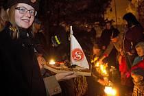 Památný den sokolstva  si připomenuli členové Sokol Hodolany a poslali lodičky po Bystřičce