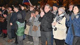 17. 11. 2018. Odpolední shromáždění u pomníku TGM v Olomouci