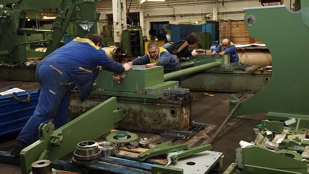 Papcel vyrábí stroje na výrobu papíru.