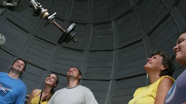 Pozorování na hvězdárně v Lošově