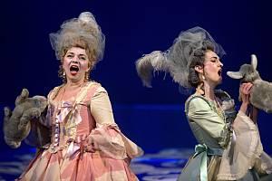 Opera Così fan tutte v Moravském divadle Olomouc
