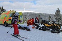 Zranění mladé lyžařky na Ovčárně