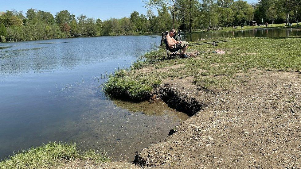 Hladina vody se zvedla až o 1,5 metru, olomoucké Poděbrady, 12. května 2021