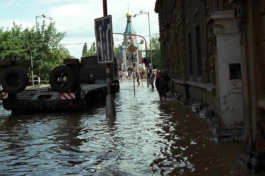 Komenského ulice ped mostem, Olomouc, 9. července 1997