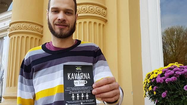 Organizátor Kavárny ve tmě v olomoucké restauraci Fontána Tomáš Plesník