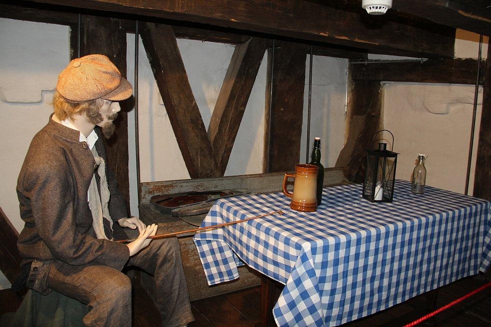 V  opravené radniční věži v Olomouci je nová expozice, věžník tam má svůj pokojík.