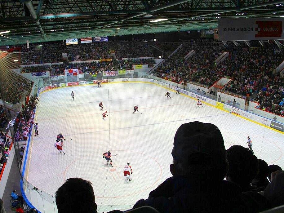 Zimní stadion v Olomouci během baráže o extraligu