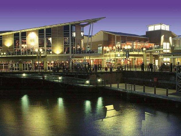 Mermeid Quay, Cardiff, Wales – obchodní a volnočasový komplex