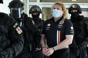 Obžalovaný Michal Novák u olomouckého krajského soudu, 16. 6. 2020