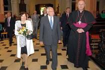 Prezident Václav Klaus s chotí Livií a olomouckým arcibiskupem Graubnerem v kostele sv. Mořice v Olomouci