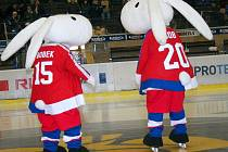 Bob a Bobek, maskoti hokejového MS v Praze a Ostravě