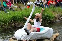 Splutí Desné na nevšedních plavidlech v Sudkově 20. června 2015