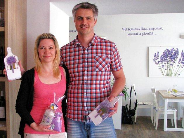 Lukáš Drlík a Veronika Pejšová z Levandulové biofarmy