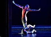 Michal Štípa. Taneční inscenace Rain, s Alinou Nanu. Vystoupení 28.února 2018 v Národním divadle moravskoslezském v Ostravě