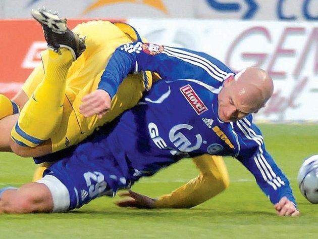 Útočník Lukáš Hartig dokázal své spoluhráče strhnout k maximální bojovnosti. Teď je zraněný a Olomouc si musí zvyknout na hru bez něj.