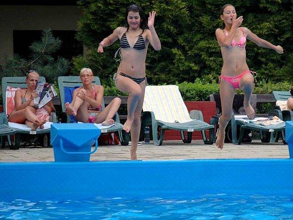 Koupání na olomouckém letním bazénu