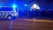 Policie zasahuje u konfliktu fanoušků Zlína a Kodaně na třídě Svobody v centru Olomouce
