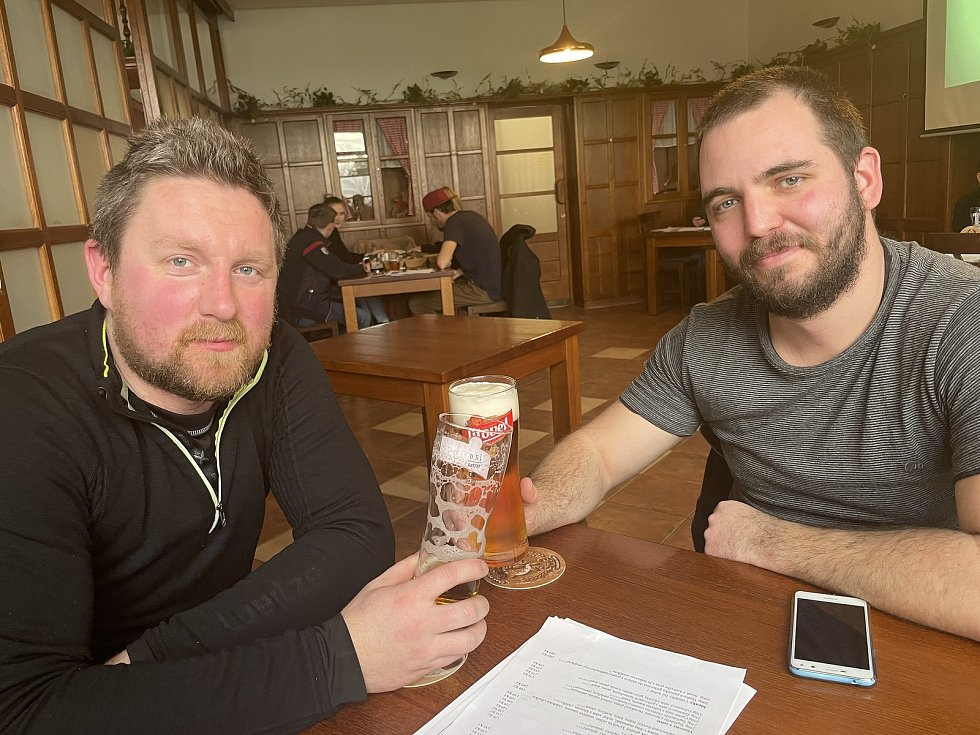 V sobotu se otevřely restaurace U Macků a U Maci v Olomouci na Svatém Kopečku. Hostinský Martin Macek se připojil k iniciativě Chcípl PES, 23. ledna 2021