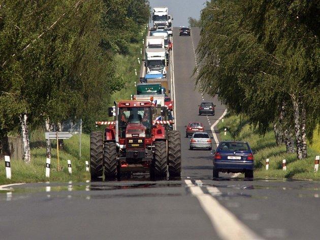 Kolona vozidel dlouhá několik kilometrů. Takový byl výsledek protestujících zemědělcí mezi Olomoucí a Přerovem