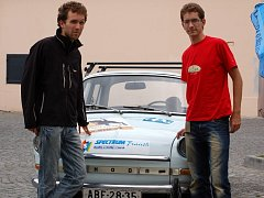 Michal Vičar a Martinem Beťkem v pondělí 1. září vyrazí na cestu kolem světa.