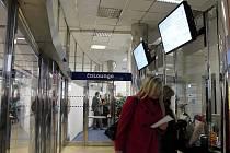 Nová čekárna ČD Lounge ve vestibulu hlavního nádraží v Olomouci