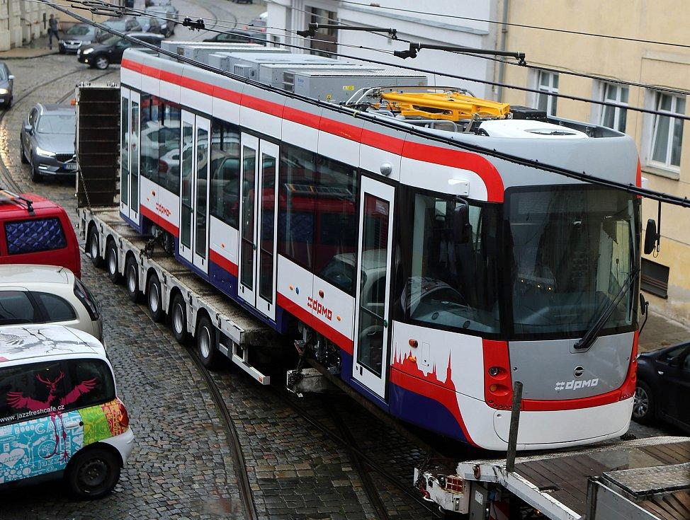 Do Olomouce dorazila nová tramvaj EVO 1.