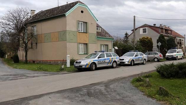 Kriminalisté ve Štarnově vyšetřují vraždu 80leté ženy