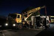 Dopravní nehoda cisternového vozidla s nebezpečnou látkou - D46, Držovice
