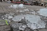 Poslední pozůstatky po ledových sochách na Horním náměstí v Olomouci - čtvrtek 21. února 2019