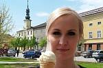 Tvarůžková zmrzlina z Loštic, rodiště sýra z typickým aroma, se neomrzí. Ochutnat se musí. Aspoň jednou za rok.