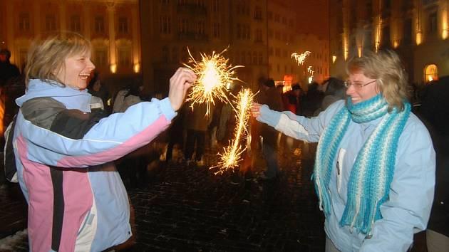 Silvestr na olomouckém Horním náměstí.