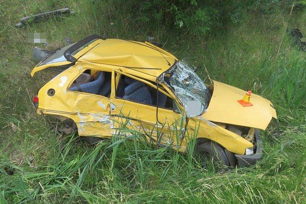 Nehoda kamionu a osobního auta u Velkého Újezdu
