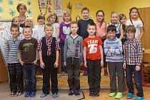 Žáci první třídy ZŠ Senice na Hané s paní učitelkou Janou Maitnerovou