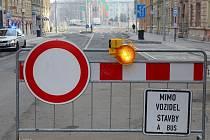Od 27. února 2020 bude pro běžnou dopravu opět průjezdná Komenského ulice a nový most přes Moravu