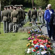 Vypálení obce Javoříčko a tragickou smrt 38 mužů si připomněli občané na sobotní ( 28.4.) pietním vzpomínce.