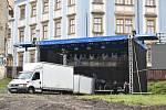 Příprava koncertu Sbohem, pane ministře v proluce u Muzea umění v Olomouci, 20. 5. 2019