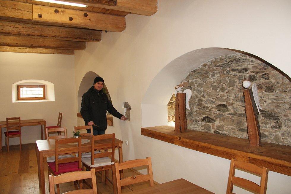 Interiér barokní sýpky v Ludéřově - prostory pro pořádání workshopů a setkání