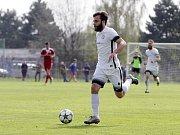 Fotbalisté Uničova porazili Mohelnici (v bílém) 4:0 Martin Bzirský