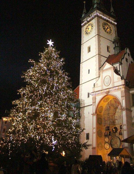 Rozsvěcení vánočního stromu na Horním náměstí v Olomouci 2015
